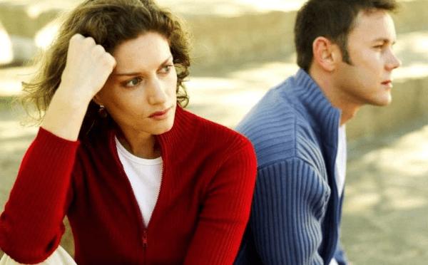 Couple en crise : 5 signes qui ne trompent pas